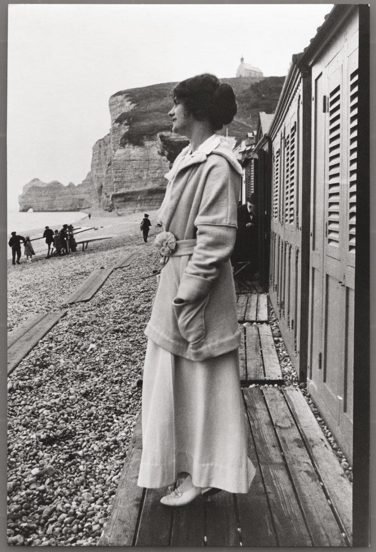 1913_Chanel_plage_Etretat